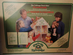 Vintage 1980's Cabbage Patch Dollhouse  Still in box