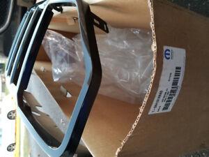 NEW Jeep Liberty KK Front Grill fascia MOPAR BLACK in box