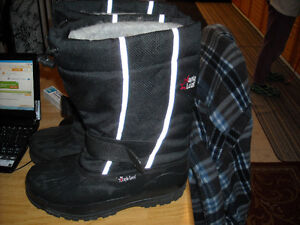 Maple leaf [mans] winter boots=size 9