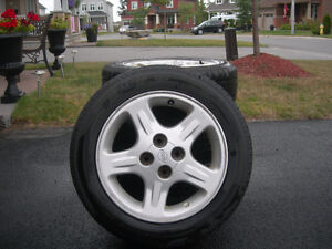185/60R/15 All Season Motomaster Tires For Sale