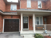 Townhouse for rent in Newmarket ( Yonge & Bonshaw )