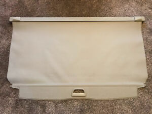 Volvo XC70 2006 cargo cover cache-bagage