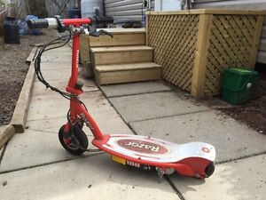 Electric scooter E100