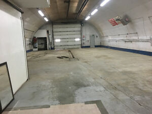 Comercial Shop & Yard in Spruce Grove for lease