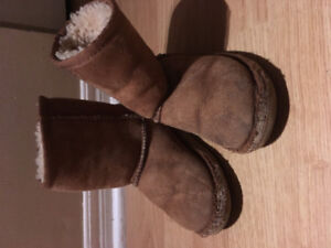 Toddler/baby brown classic Uggs US 10