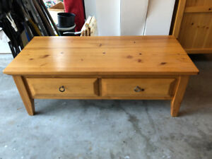 solid pine sofa, coffee & 2 end tables