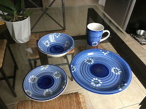 34-piece set of dishes