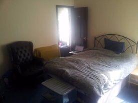 Double Room in Burton near hospital. Fast internet. All bills inc