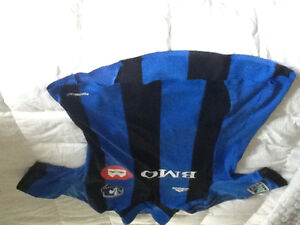 Montreal Impact alternate third jersey youth large Marco Divaio