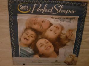 Kingsize pillow top Serta mattress