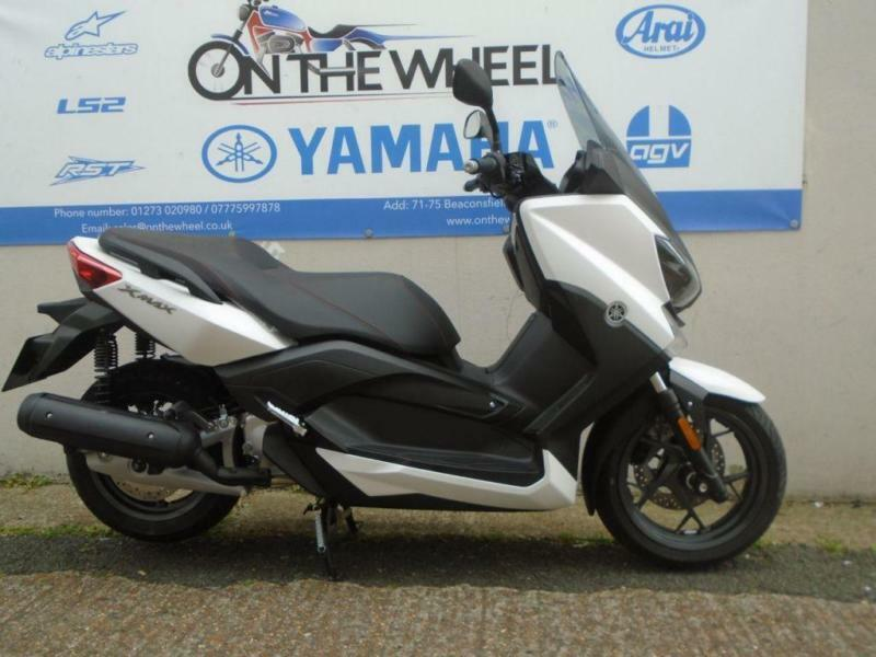 2017 YAMAHA X-MAX 125 ABS ABSOLUTE WHITE, BRAND