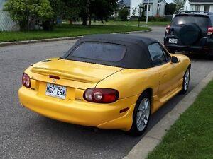 2002 Mazda MX-5 Miata Cabriolet (spécial edition)