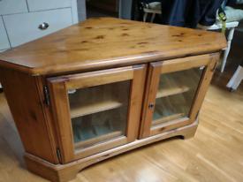 Vintage style corner TV cabinet - Good condition