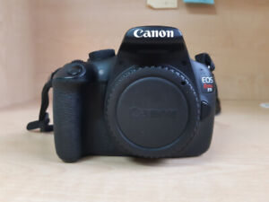 DSLR Canon Rebel T5 body with accessories