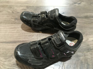 Women's cycling shoes and cleats