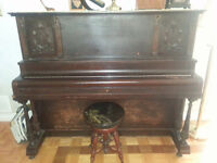 PIANO: WORKING ORDER- NEED TO MOVE IT!