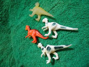4 Mini Figure Dinosaurs Kingston Kingston Area image 3