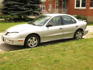 2004 Pontiac Sunfire Sedan for parts or repair