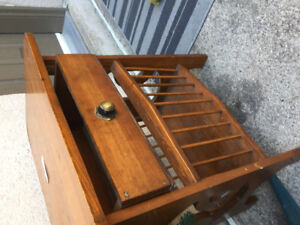 End table asking 3.00