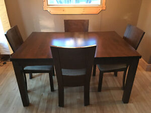mobilier salle a manger, table 60/40 + rallonge 80/40, 6 chaises