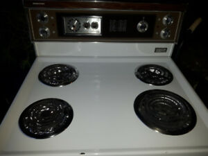 EXCELLENT condition Retro Moffat stove circa 1972