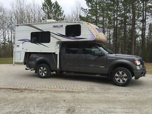890 SBRX Travel Lite Truck Camper (NEW CONDITION)