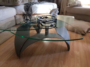 Coffee table and 4 end tables