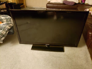 """FOR SALE:  SAMSUNG 46"""" LCD TV"""