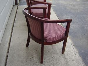 1 CHAIR WITH WOODEN LEGS(OFFICE CHAIRS)/NEW PRICE! London Ontario image 3