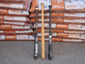 3 bâtons de baseball (en bois)