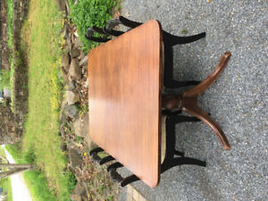 Antique Mahogany Table & 4 Chairs