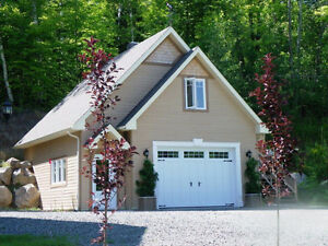 Studio/Bachelor + Large Garage in Mont-Tremblant - May 15, 2017