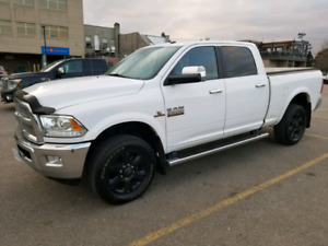 2015 Ram 2500HD, Crew Cab 4x4, Laramie Loaded, Cummins diesel