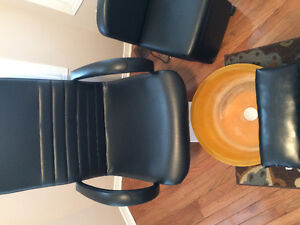 Pedicure chair with technician chair