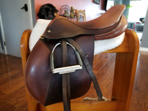 "17.5"" Crosby Excel Close Contact Saddle **REDUCED **"