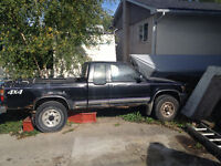1990 Toyota 4x4 Pickup w/ Lift and Tow Kit