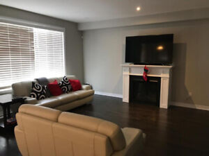 Brand New 4 bedroom house in Ancaster, Hamilton - Rent Now!
