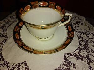 Royal England 6 tasses et soucoupes blanc-or-noir Vintage