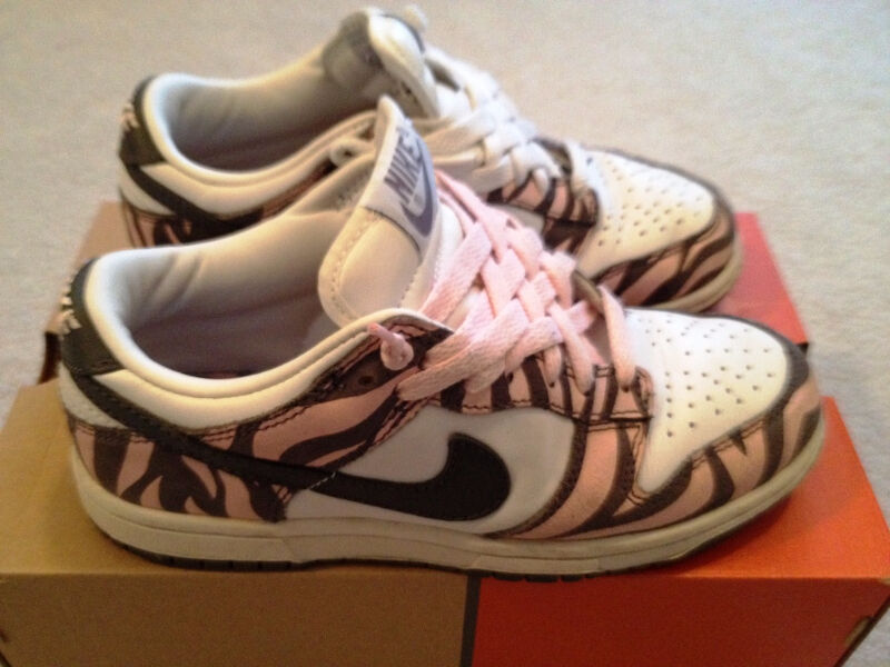 new products 7d9a4 a69c5 FS Nike Dunk Low Zebra Daktari Size 5 Womens SB Size 3Y  Womens - Shoes   Markham  York Region  Kijiji