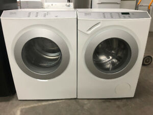 Laveuse secheuse frontale Miele blanche