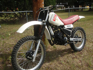 1981 yamaha yz 100/trade for street legal honda Prince George British Columbia image 8