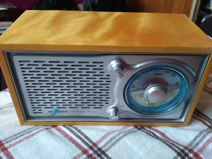 Vintage Nexxtech am/fm radio receiver