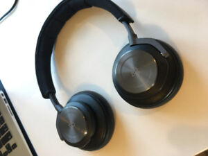 Bang & Olufsen Beoplay H9 Wireless Noise Cancelling Headphones