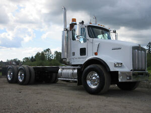1997 Kenworth T800 Cab & Chasis / Tractor - RUNS & LOOKS AWESOME