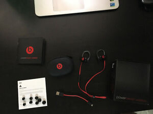 RED DR. DRE POWERBEATS 2 WIRELESS FOR SALE