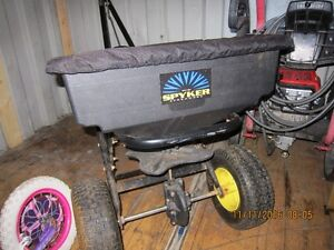 Salt spreader or fertilizer seeder Cambridge Kitchener Area image 1