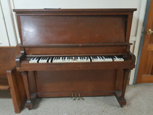 Piano to give / Piano à donner
