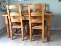 Country pine farmhouse dining table (4) chairs