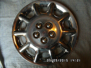 HUB CAP : Chrysler product 15 inch