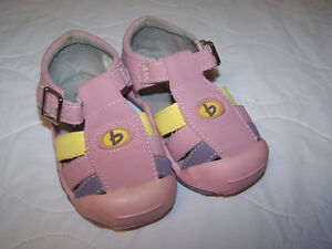 Toddler Bum Sandles Size 5